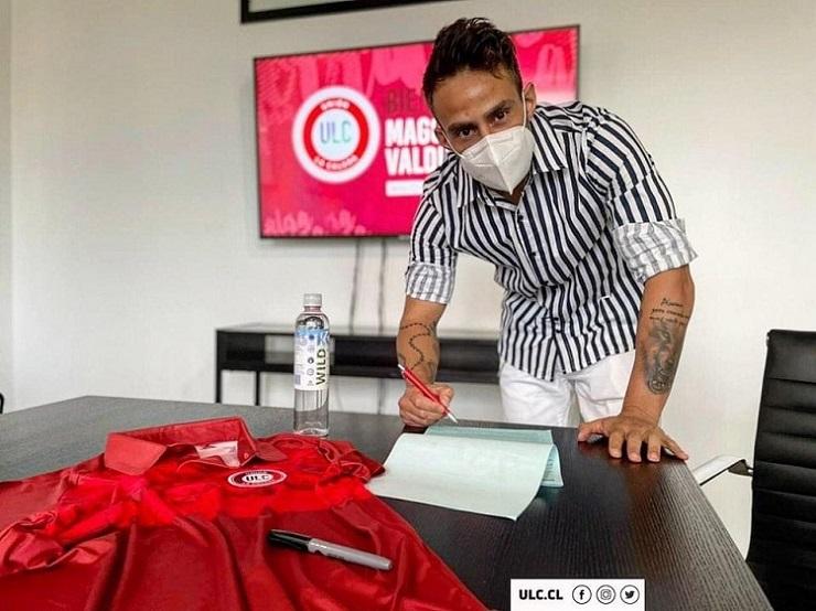 agora-e-oficial-valdivia-assina-por-um-novo-clube-Futebol-Latino-09-03