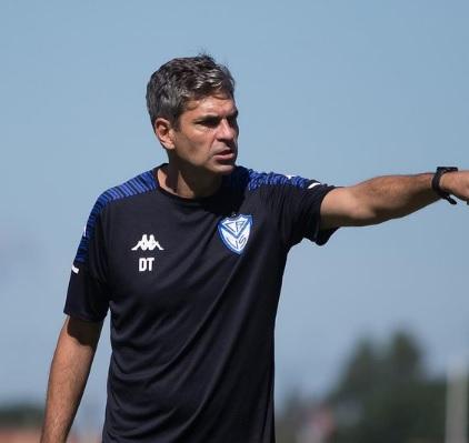 Técnico do Vélez Sarsfield manda recado antes de encarar o Flamengo