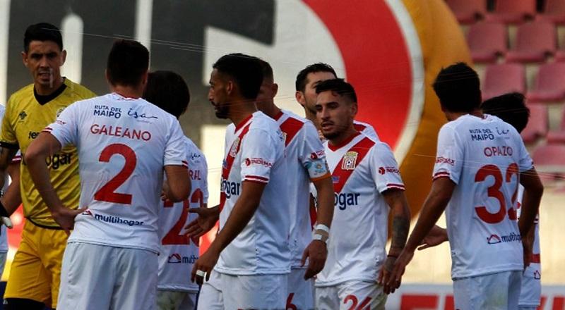 por-surto-de-covid-19-equipe-no-chile-joga-sem-reservas-e-treinador-Futebol-Latino-05-04