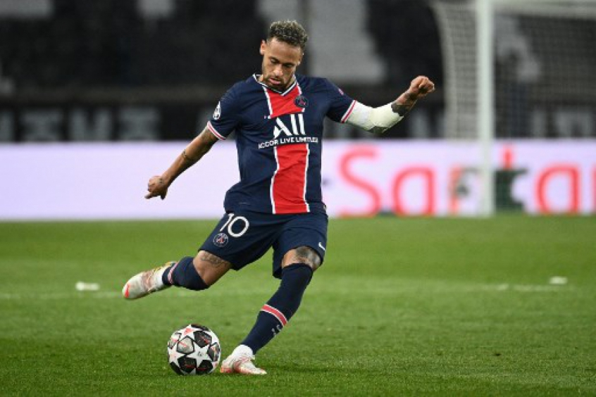Neymar-Paris-Saint-Germain-Futebol-Latino-03-05