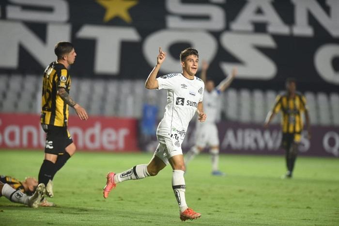 Santos-The-Strongest-Futebol-Latino-Lance-1-04-05