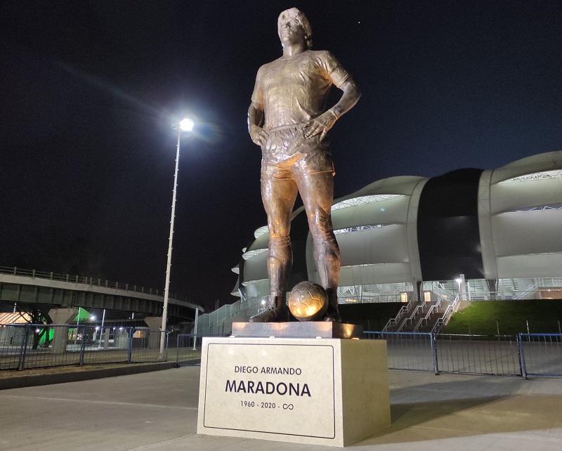maradona-foi-homenageado-antes-e-durante-o-jogo-argentina-chile-Futebol-Latino-04-06