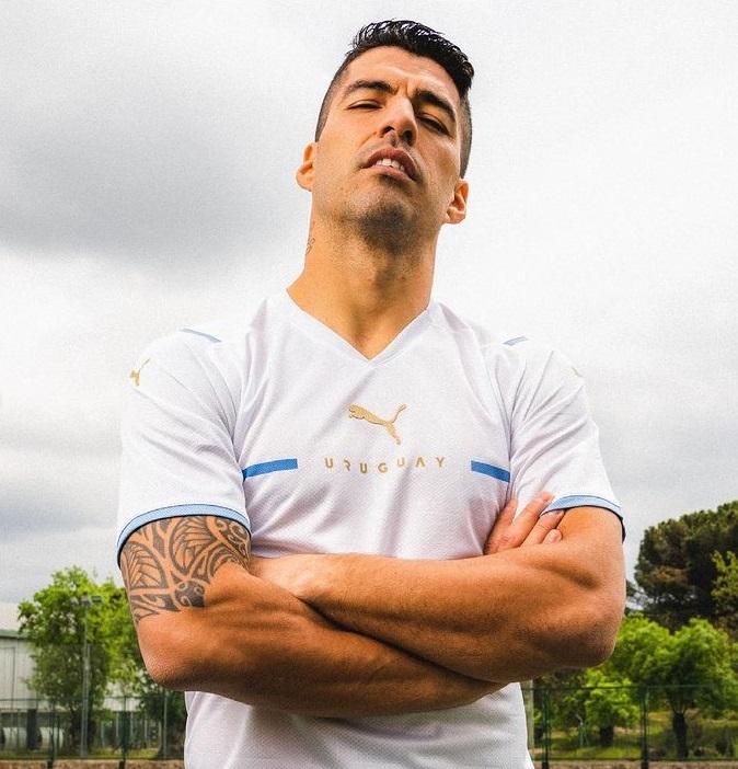 selecao-do-uruguai-lanca-sua-nova-linha-de-uniformes-1-Futebol-Latino-02-06