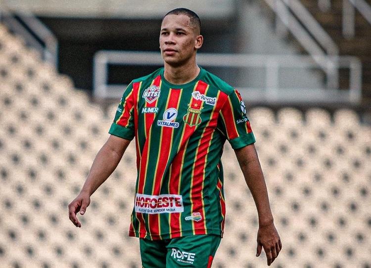 artilheiro-da-serie-b-e-do-brasil-em-2020-esta-na-mira-de-clubes-da-serie-a-Futebol-Latino-12-07