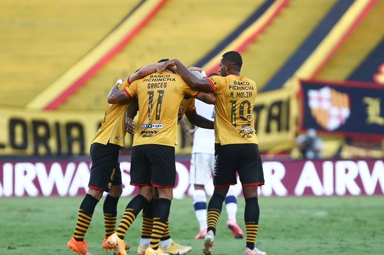 barcelona-velez-sarsfield-libertadores-futebol-latino-lance-2-21-07