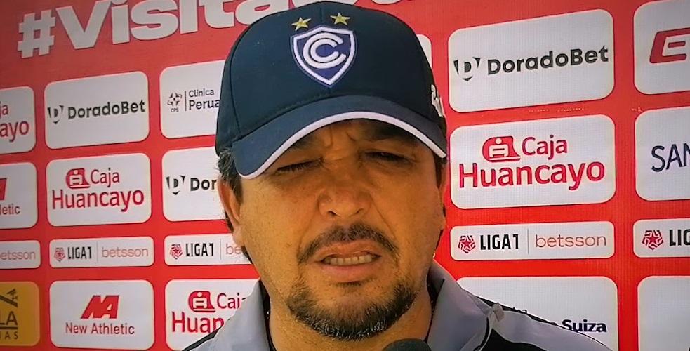 time-campeao-da-sul-americana-apos-seis-jogos-demite-treinador-Futebol-Latino-17-08