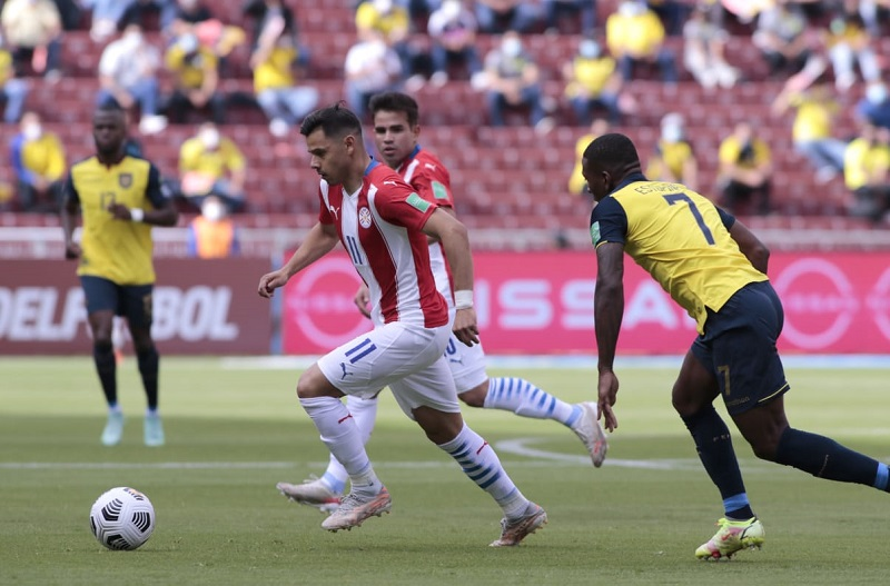 Equador-Paraguai-Eliminatorias-Futebol-Latino-02-09