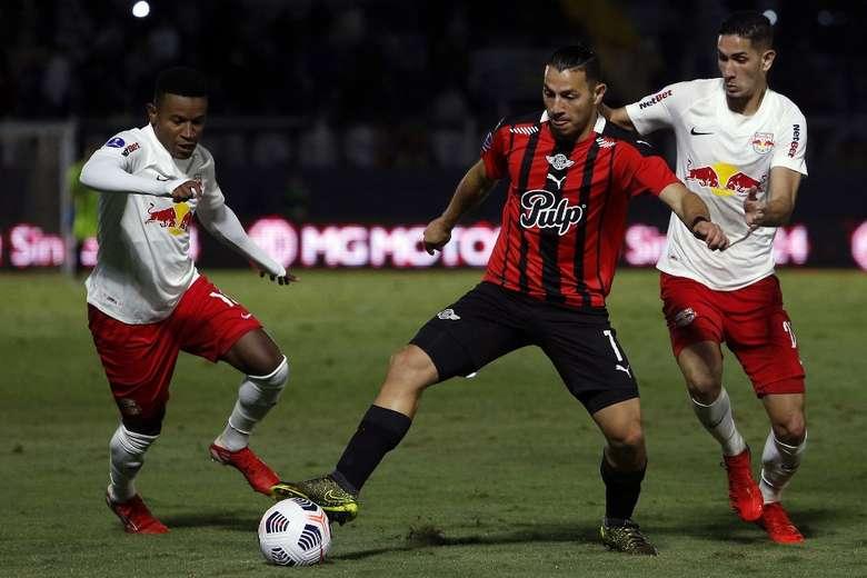 bragantino-libertad-futebol-latino-lance-28-09