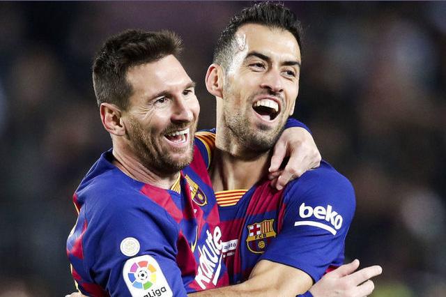 messi-busquets-barcelona-futebol-latino-lance-13-09