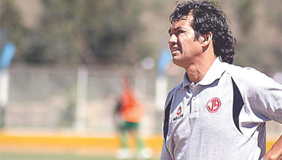 no-futebol-peruano-tecnico-relembra-ameaca-com-arma-de-jogador-Futebol-Latino-23-09