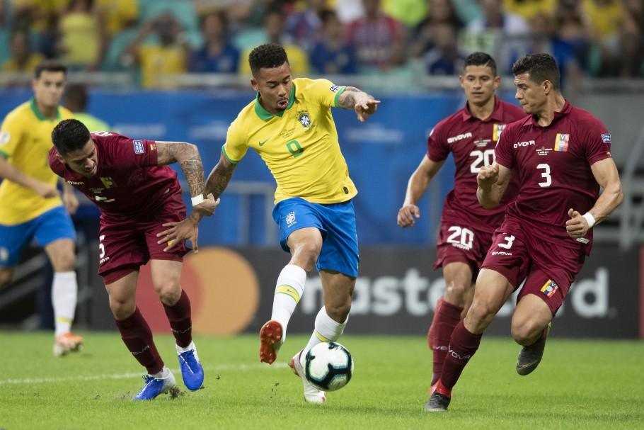 brasil-venezuela-futebol-latino-06-10