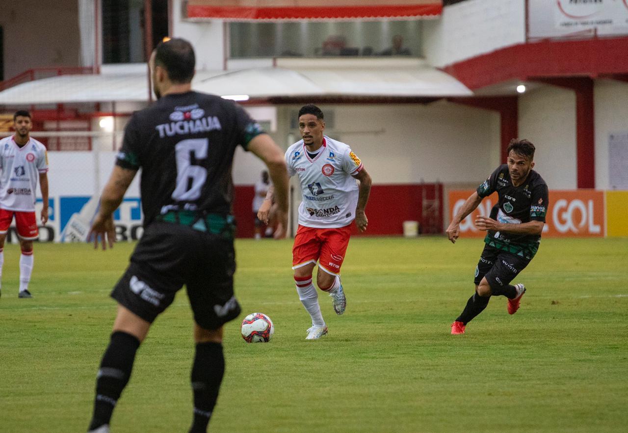luiz-otavio-comemora-sequencia-no-tombense-e-mira-acesso-na-serie-c-Futebol-Latino-21-10