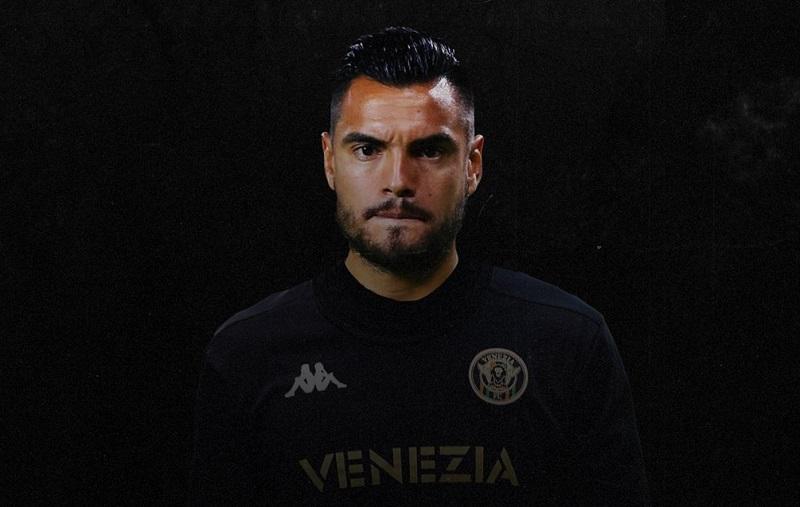 oficial-sergio-romero-e-o-novo-reforco-do-venezia-Futebol-Latino-12-10