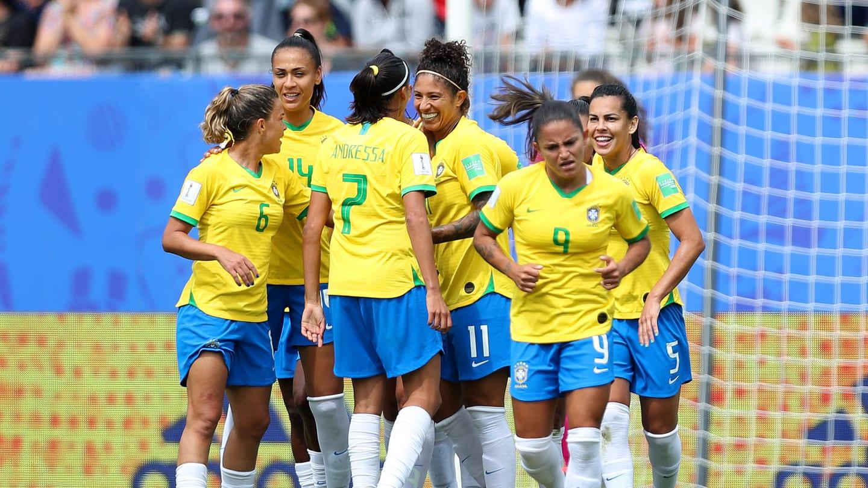 Brasil-Jamaica-Copa-do-Mundo-feminina-Futebol-Latino-09-06