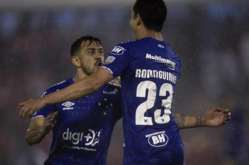 Huracán Cruzeiro Copa Libertadores Futebol Latino Lance 07-03