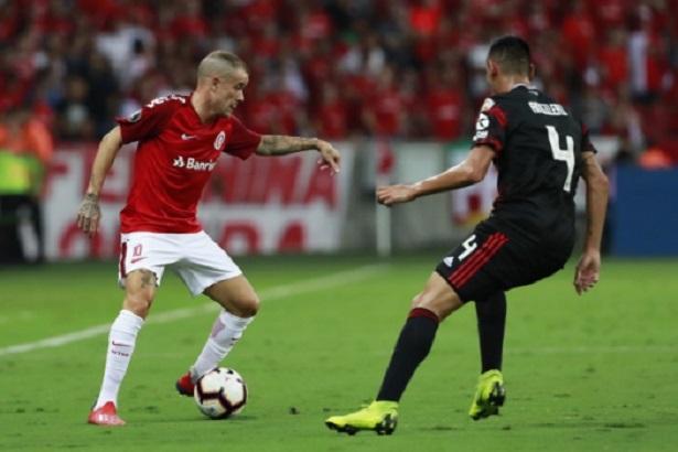 Internacional-River-Plate-Libertadores-Futebol-Latino-03-04