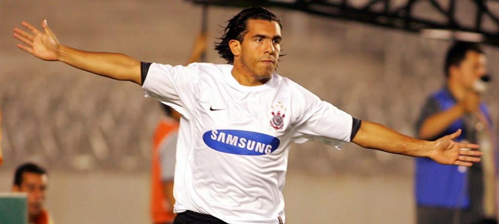 """Tevez abre o jogo e fala sobre """"susto"""" ao assinar com o Corinthians"""