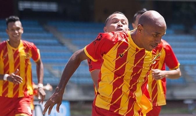 aos-46-anos-e-em-atividade-jogador-venezuelano-pondera-aposentadoria-Futebol-Latino-12-04
