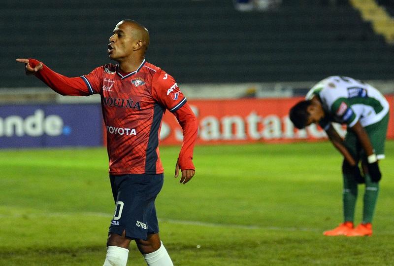 atacante-do-jorge-wilstermann-sofre-racismo-e-abandona-a-partida-na-bolivia-Futebol-Latino-19-03