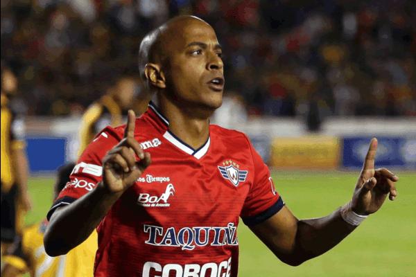 brasil-angola-e-bolivia-a-rica-trajetoria-do-atacante-serginho-Futebol-Latino-03-04