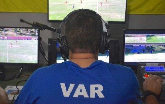 erros-de-arbitragem-relembre-cinco-casos-polemicos-Futebol-Latino-02-09