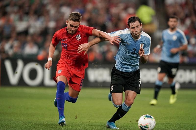 estados-unidos-comeca-atras-mas-arranca-empate-no-fim-em-amistoso-contra-o-uruguai-Futebol-Latino-10-0