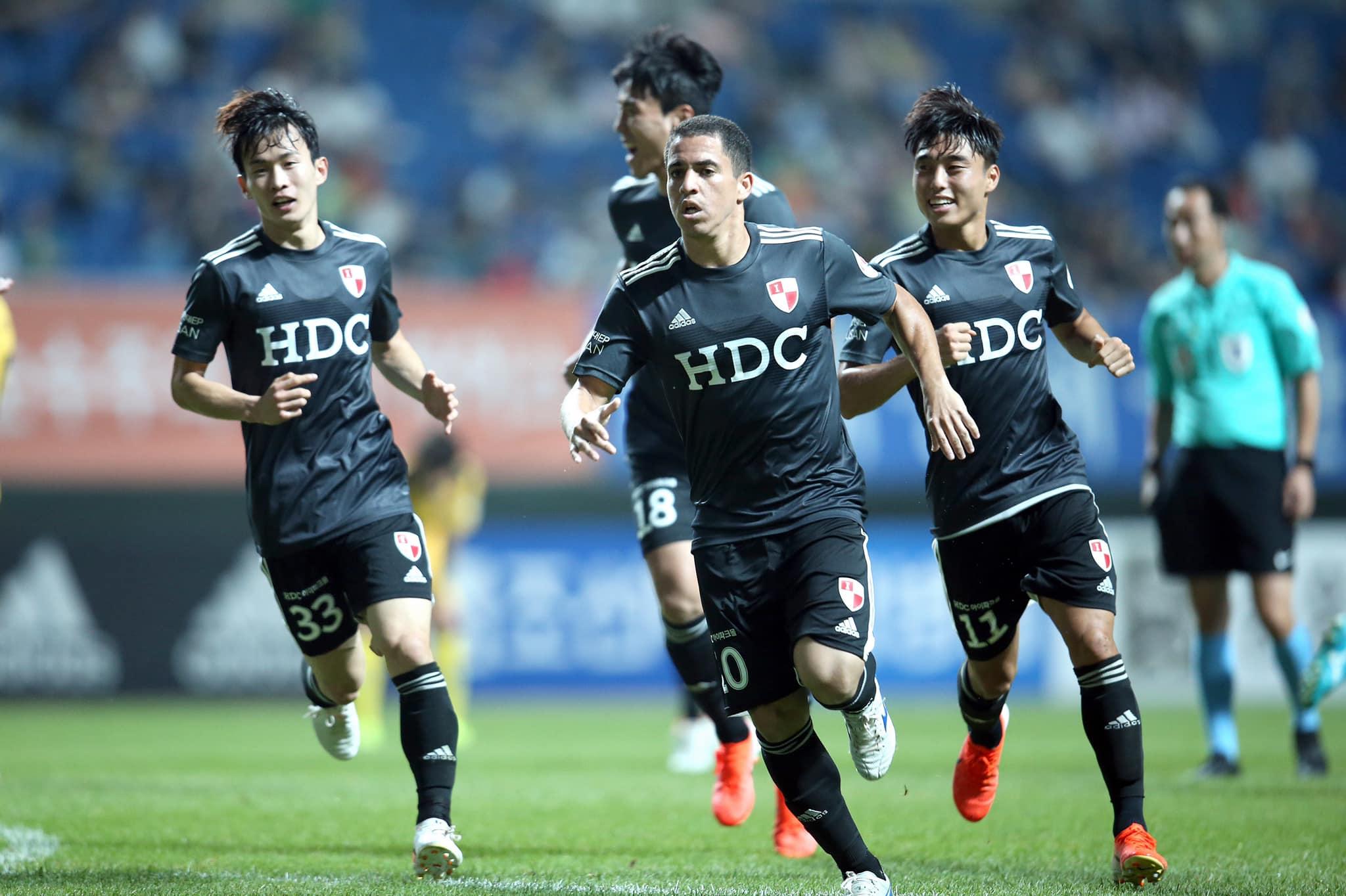 ex-bahia-espera-chegar-a-marca-historica-no-futebol-da-asia-Futebol-Latino-30-09