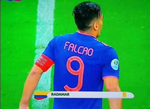 falcao-brinca-com-erro-em-informacao-sobre-cartao-amarelo-radamel-Futebol-Latino-16-06