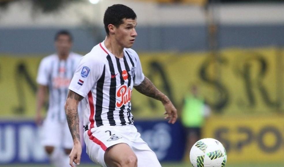 jogador-afastado-pelo-libertad-teria-pre-contrato-com-outro-clube-Futebol-Latino-30-07