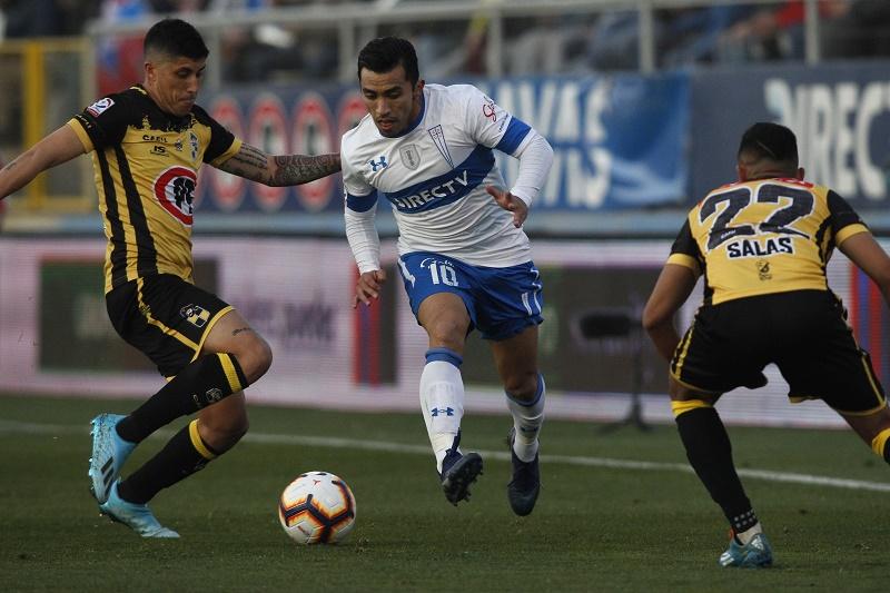 latinao-catolica-tropeca-no-chile-mas-concorrentes-nao-aproveitam-Futebol-Latino-12-08