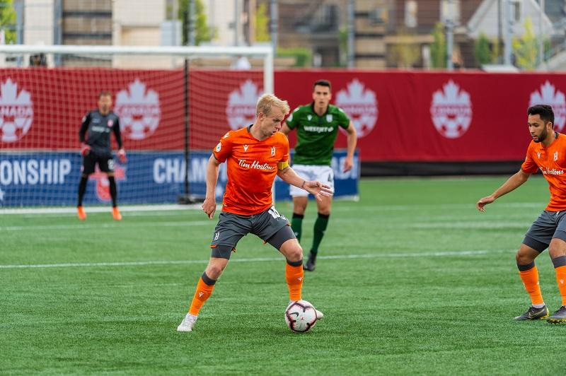 mandantes-levam-a-melhor-nos-jogos-de-ida-da-segunda-fase-do-campeonato-canadense-Futebol-Latino-05-06