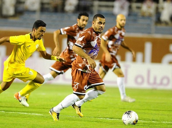 meia-brasileiro-estreia-com-assistencia-e-vitoria-na-arabia-saudita-Futebol-Latino-23-08