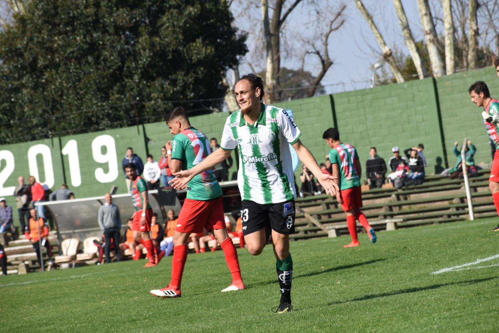 no-uruguai-equipe-cria-camiseta-com-ondas-sonoras-de-sua-torcida-Futebol-Latino-06-09