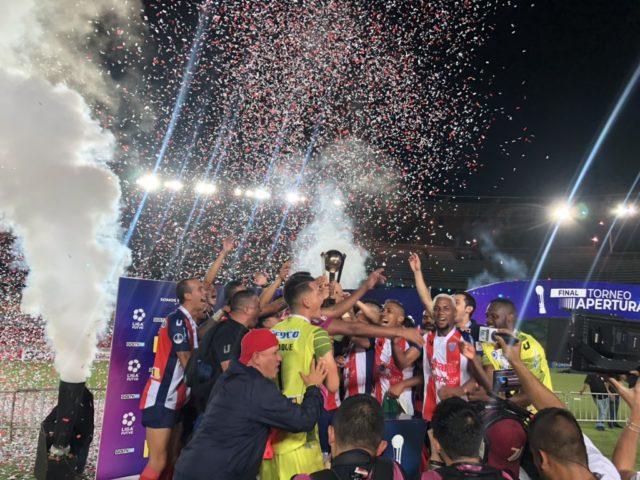 nos-penaltis-estudiantes-de-merida-e-campeao-pela-terceira-vez-na-venezuela-Futebol-Latino-01-07