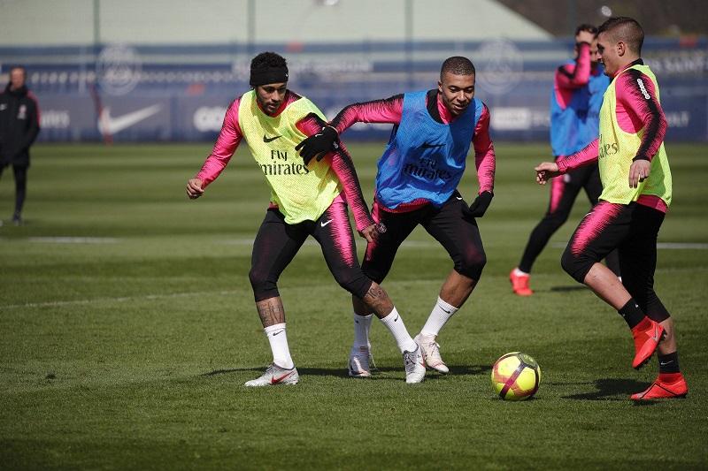 reforcando-planos-do-psg-neymar-treina-novamente-com-bola-Futebol-Latino-12-04