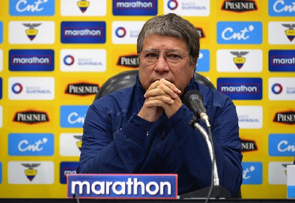 respeitamos-mas-nao-temos-medo-disse-tecnico-da-selecao-equatoriana-sobre-uruguai-Futebol-Latino-07-06