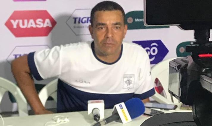 tecnico-brasileiro-renuncia-ao-seu-cargo-na-bolivia-Futebol-Latino-30-08