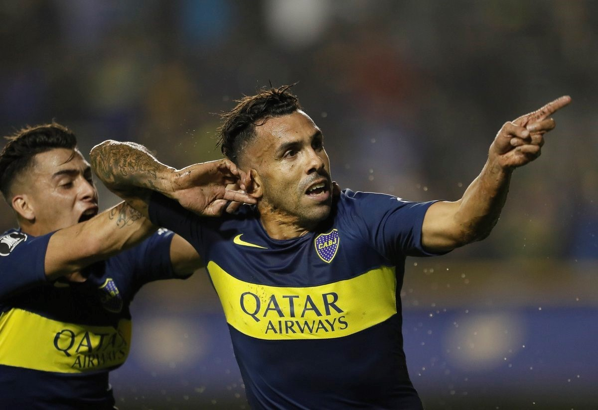 tevez-afirma-que-percebia-olhares-de-desconfianca-para-com-ele-Futebol-Latino-10-05